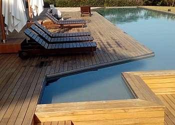 Piso de madeira para piscina preço