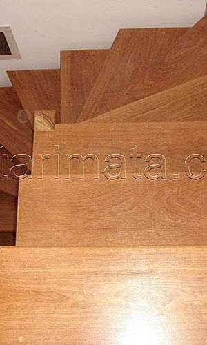 Degrau de madeira para escada