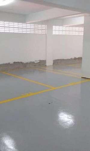 Manutenção de piso epóxi