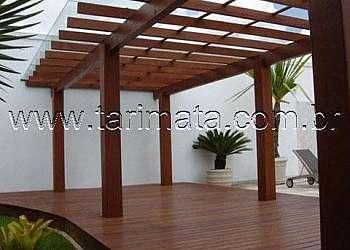 Pergolado de madeira fachada