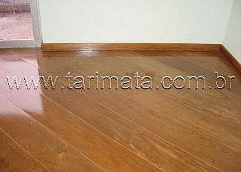 Piso de madeira encaixável
