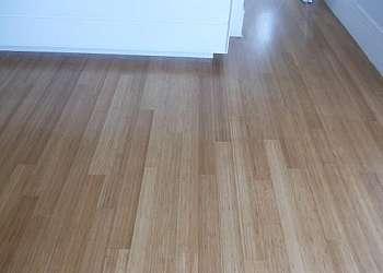 Raspagem de assoalho de madeira