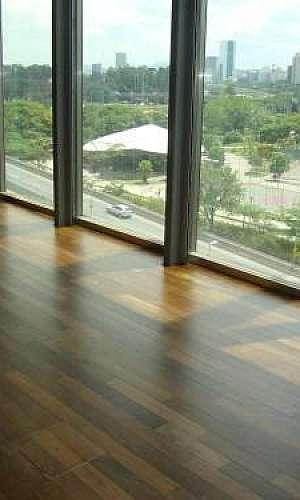 Raspagem de piso de bambu